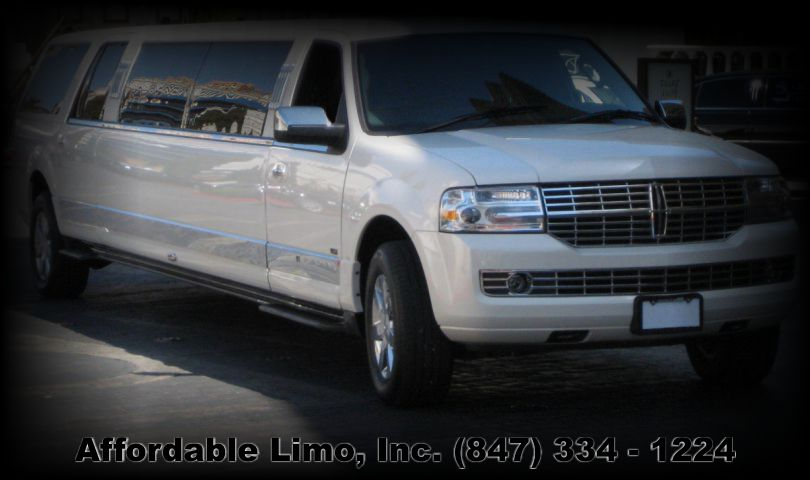 Lincoln Navigator 14 passanger SUV limo Affordable Limo Inc. post slider