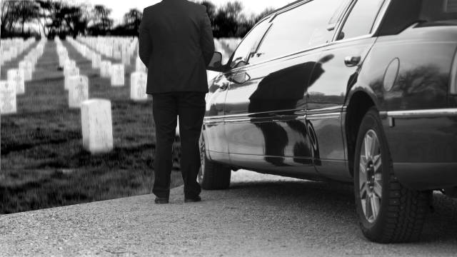 Funeral limousine service in Franklin IN